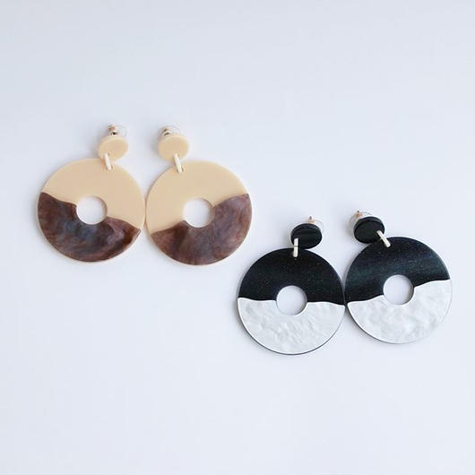 bicolor circle pierce black