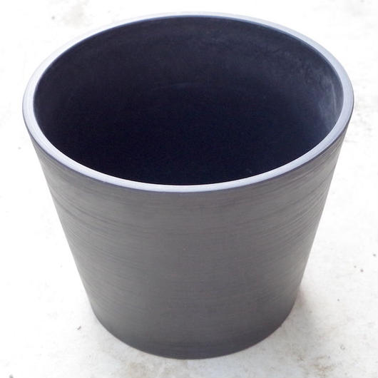Black Pot 25cm