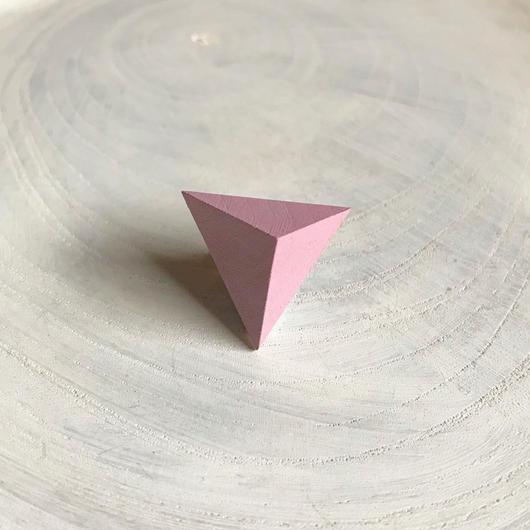 三角形ピアス ラベンダーピンク