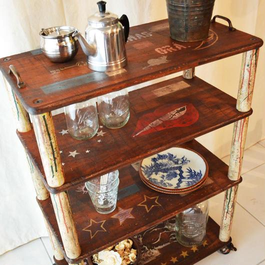 シェルフ (rusty shelf)