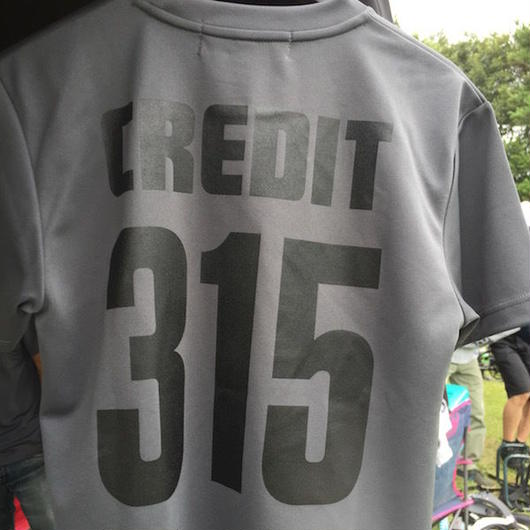 CREDIT Stadium Cross 315 T-SHIRTS ~ DRY Tee・Dark Grey × Black