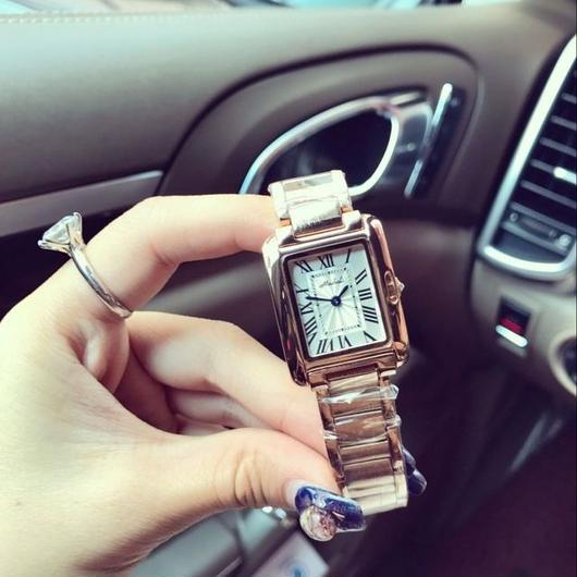レディースウォッチ 海外人気ブランド MASHALI スクエア型 ステンレス腕時計 選べるカラー / カルティエ タンクフランセーズ お好きな方にも
