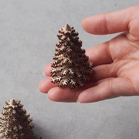 ギザギザの針葉樹 65  ナチュラル ER-04