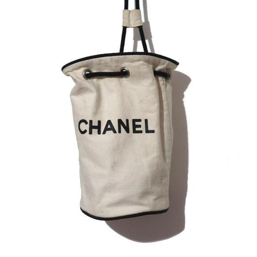 CHANEL ロゴプリント 巾着ポーチ WHITE