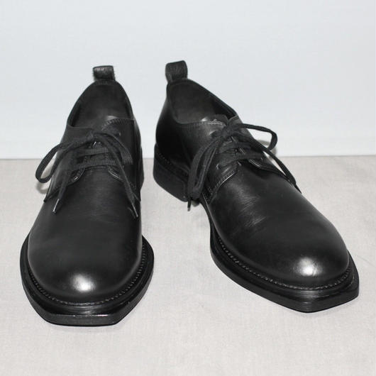 ANN DEMEULEMEESTER  /  Front square cut leather derby shoes
