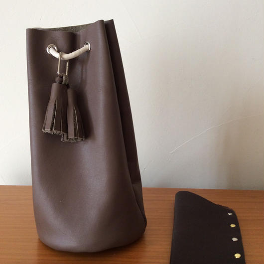 shizo1025さま専用出品 レザー巾着バッグ  モカブラウン  メガネケース
