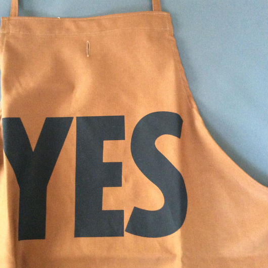 "DRESSSEN DR(BRN) 1 APRON  ""YES"" BROWN  COLOR ⭕️4月21日(土曜日)再入荷しました。"
