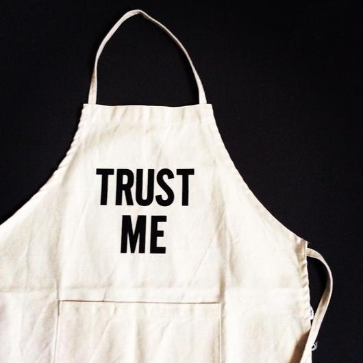 """DRESSSEN KD3 KIDS APRON  """"TRUST ME""""(※キッズエプロンです👦※生産終了 再入荷はございません。よろしくお願い申し上げます。"""