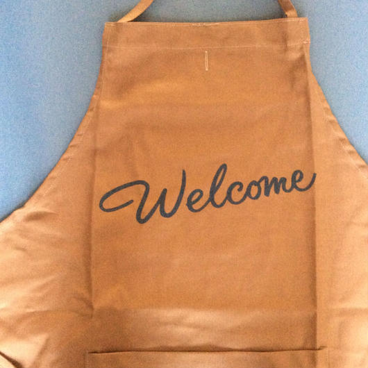 "DRESSSEN DR(BRN) 3 APRON ""WELCOME ""BROWN COLOR⭕️2月23日 再入荷しました。"