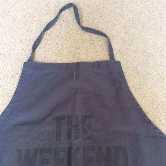 "DRESSSEN DR(GRY) APRON  ""THE WEEKEND"" GREY COLOR"