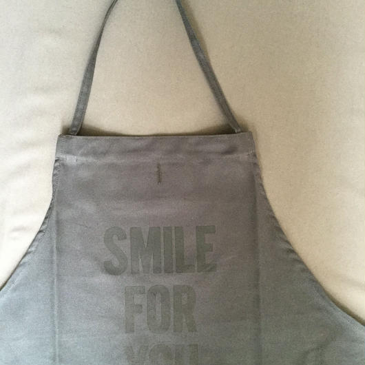 DRESSSEN DR (GREY) 8APRON SMILE  FOR YOU GREY COLOR