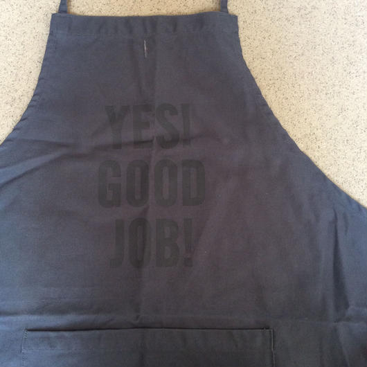 "DRESSSEN DR(GRY)2  APRON  ""YES! GOOD JOB!"" GREY COLOR"