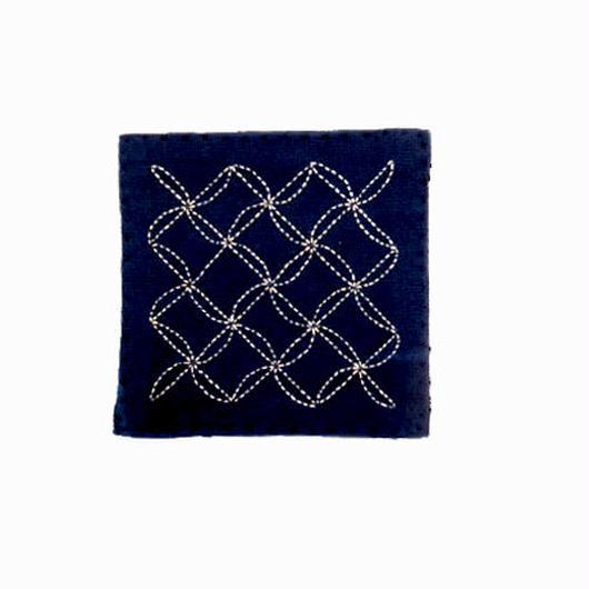 苗族刺繍入り藍染めコースター(波)  Miao indigo coaster (wave)