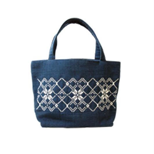 ラオスの藍染め手織り模様・小物バッグ
