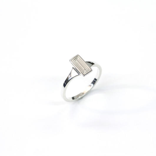 CAV-R03-SV Carve Baguette Ring R03