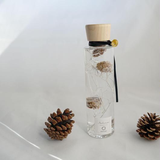 ハーバリウム  クリスマスホワイト クリスタルクォーツ(水晶)入り