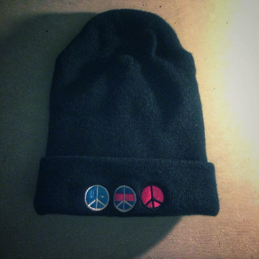 iSOLATED ARTS PEACE(i)LOGO KNIT CAP (Black)