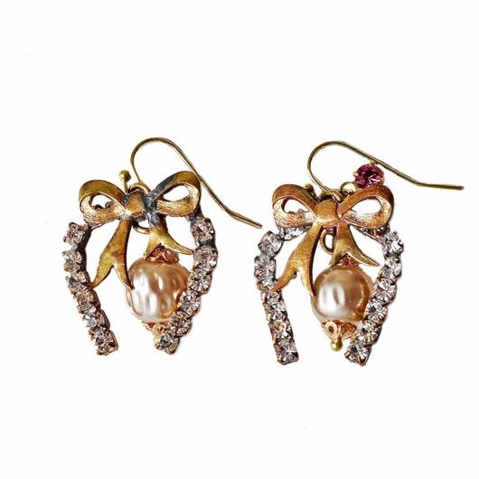 Perles Baroques イヤリング Ribbon Czech rhinestone & baroque pearl earrings PBER01