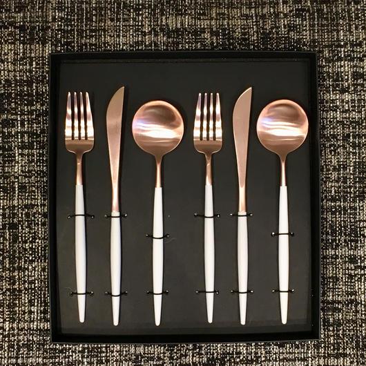 クチポールGOA「ホワイト×ローズマットゴールド」テーブルスプーン・ディナーフォーク・ディナーナイフセット