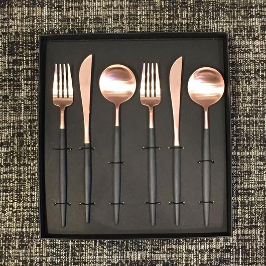 クチポールGOA「ブラック×ローズマットゴールド」テーブルスプーン・ディナーフォーク・ディナーナイフセット