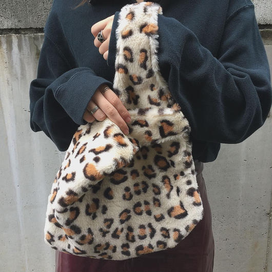 fake fur leopard bag(white)