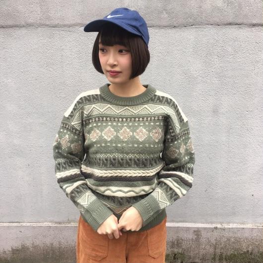Earth color pattern knit