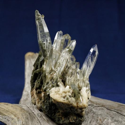 ヒマラヤ水晶 ガネーシュヒマール産 クラスター クローライト