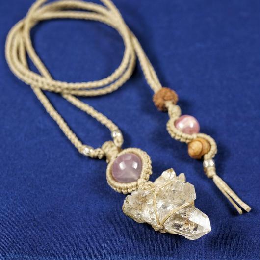 ヒマラヤ水晶クラスター  ネックレス ガネーシュヒマール産 光沢(ローズクォーツ・etc)