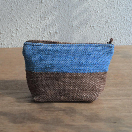 大谷房子 裂き織りのポーチ 茶×ブルー系