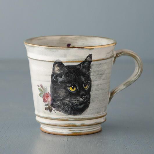 スミレとクロ猫のマグカップ