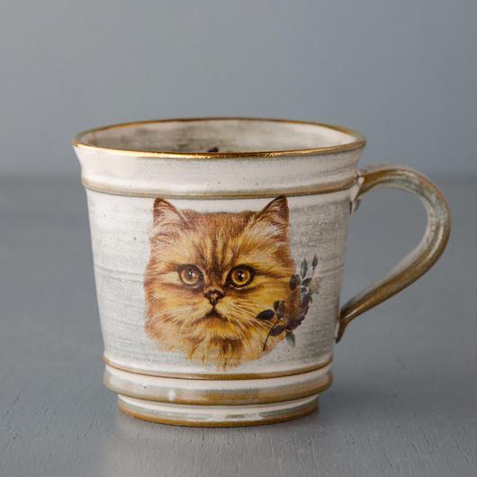 スミレとチンチラ猫のマグカップ