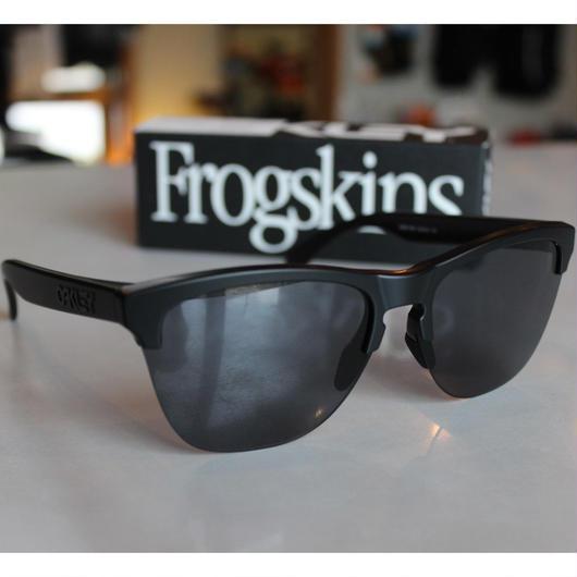 OAKLEY FROGSKINS LITE【MATTE BLACK】