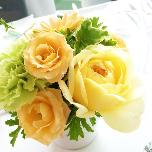 【生花定期便/月1回お届け】大切な人に贈るプラン/旬の花のアレンジメント