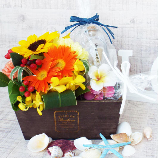 *送料無料!!*夏のお花のアレンジメント【orange】と ガラスのメッセージボトルセット