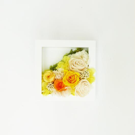 プリザーブドローズの フレームアレンジメント 【yellow】