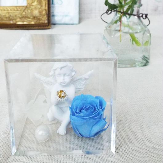 プリザーブドローズと天使のアレンジメント【angel blue】