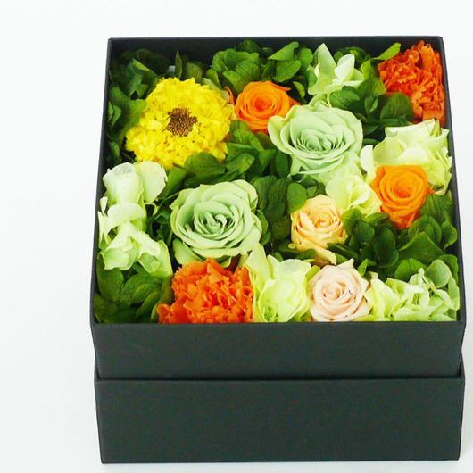 プリザーブドローズのBOXアレンジメントMサイズ【orange&green】