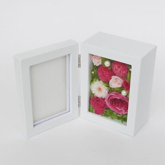 プリザーブドローズの フォトフレームアレンジメント 【rose pink】