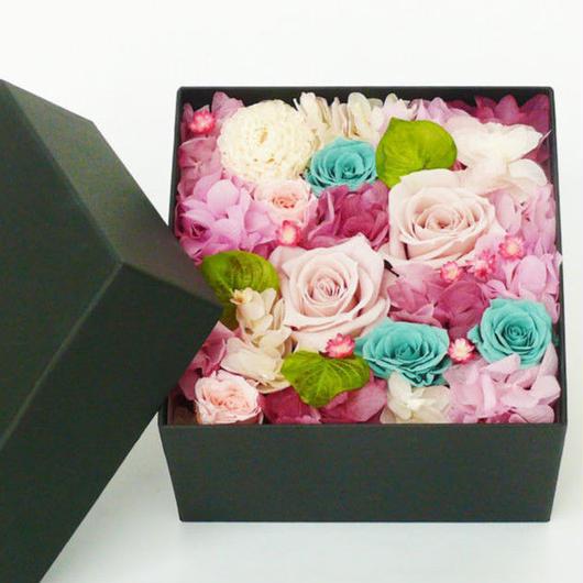 プリザーブドローズのボックスアレンジメント【purple&mintblue】