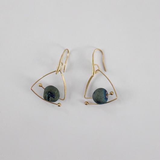 tripod stone stud earrings