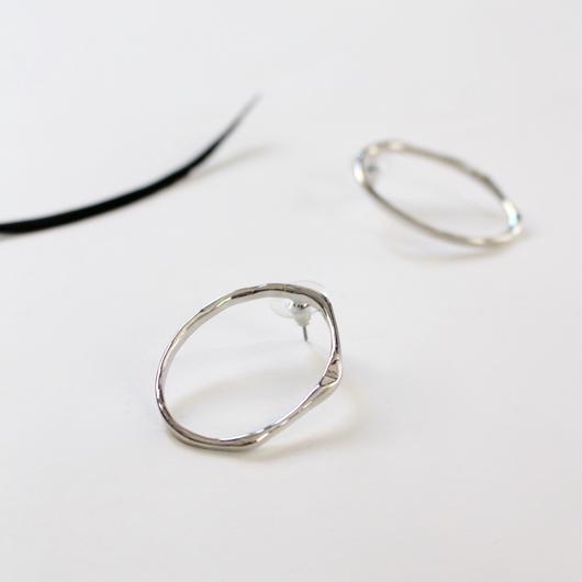 circle minimalist style earrings