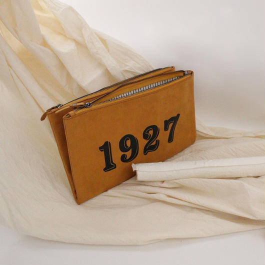 Vintage 1927 clutch bag