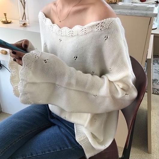 lips neck trumpet knit sweater