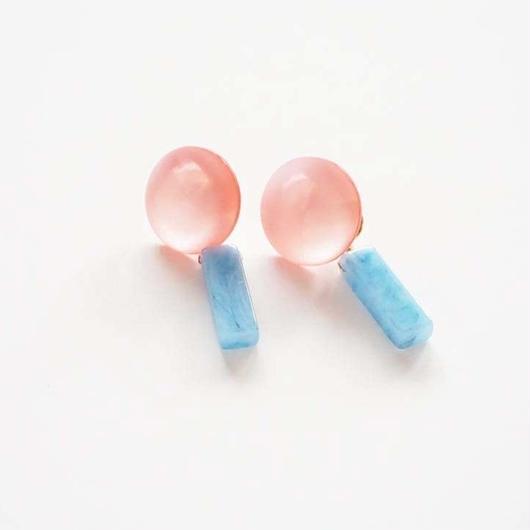 ヴィンテージボタンとビーズピアス ≪ピンクあお≫
