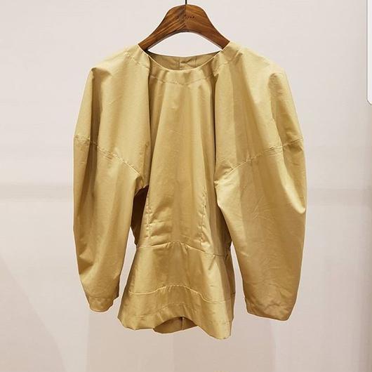 10月下旬配送予定 予約販売Volume blouse