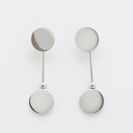 swing rivet earring