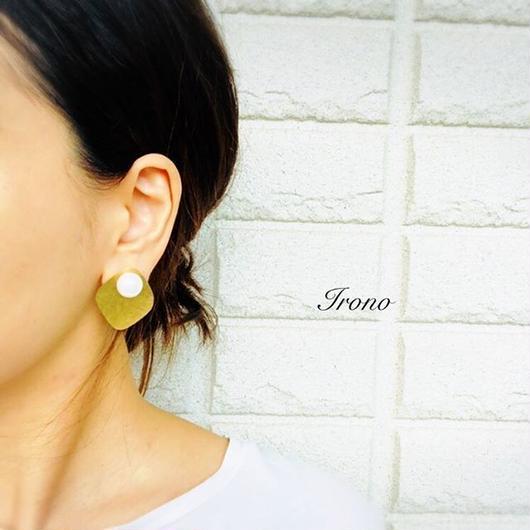 Brass × pearl  / ピアス