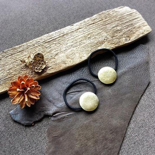 brass flower hair accessory ③