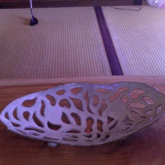 手作り陶器の大円形・穴あき器