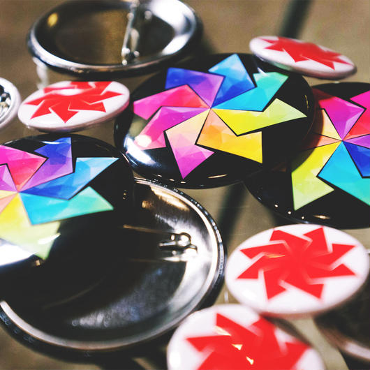 """AKA"" & ""NIJI"" - Pin Badges"